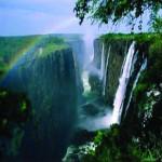 अफ्रीका का सौंदर्य सिमटा विक्टोरिया प्रपात में