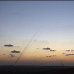 गाजा विवाद बढ़ा, इजरायल ने मार गिराईं 25 मिसाइलें