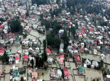 कश्मीर में 60,000 और लोगों को निकाला गया