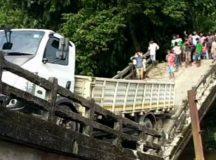 कोलकाता के बाद बंगाल के सिलिगुड़ी में गिरा नदी पर बना पुल, 3 दिन में दूसरा हादसा