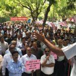 सीपीडब्लूडी के 2000 इंजीनियर्स का विभाग के खिलाफ विरोध प्रदर्शन