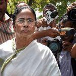 3 सालों में 2.4 लाख करोड़ रुपये का कर्ज बट्टे खाते में डाला, ममता बनर्जी ने मोदी सरकार पर साधा निशाना