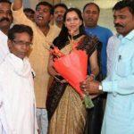 दिल्ली: सफाई कर्मियों ने किया मेयर प्रीति अग्रवाल का सम्मान