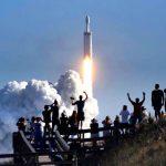 सबसे पावरफुल फॉल्कन हैवी रॉकेट लॉन्च: MARS की ओर बढ़ा, पहली बार स्पेस में पहुंची कार