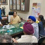 वित्त मंत्री निर्मला सीतारमण ने PMC बैंक के नाराज ग्राहकों से की मुलाकात, कहा- RBI गवर्नर से करूंगी बातचीत