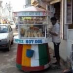 खुले में बिक रहे खाद्य पदार्थ