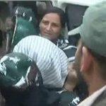 जम्मू-कश्मीर: अनुच्छेद 370 हटाने के खिलाफ प्रदर्शन कर रहीं फारुक अब्दुल्ला की बेटी और बहन को पुलिस ने हिरासत में लिया