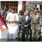 करगिल की 20वीं सालगिरह पर द्रास में रक्षा मंत्री, शहीदों को दी श्रद्धांजलि