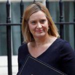 आव्रजन घोटाले के मामले में ब्रिटेन की गृह मंत्री ने दिया इस्तीफा