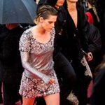 Cannes रेड कारपोट पर नंगे पांव मशहूर एक्ट्रेस का वॉक, क्या ये है वजह?