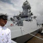 हिंद महासागर में दिखे चीन के युद्धपोत तो भारतीय नेवी ने कुछ यूं किया स्वागत