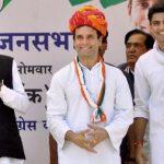राहुल की 'जमीनी सियासत', बीजेपी का खिसकता आधार