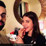 इस अंदाज में विराट कोहली ने खिलाया अनुष्का शर्मा को केक, सोशल मीडिया हो गया फिदा